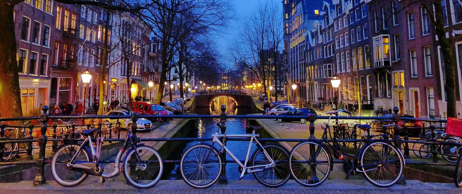 Singles Amsterdam dating relatieve geologic dating