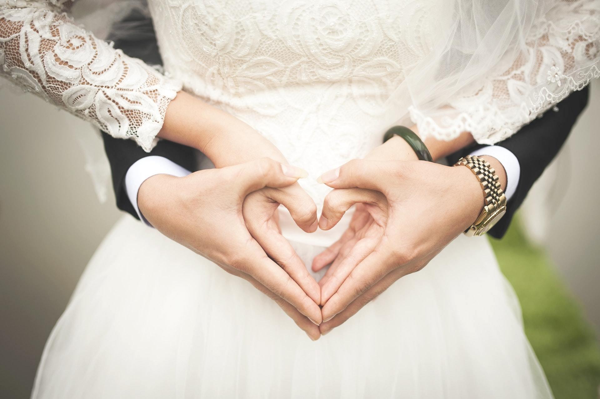 gratis gehuwd hook up Apps cool online dating Headlines