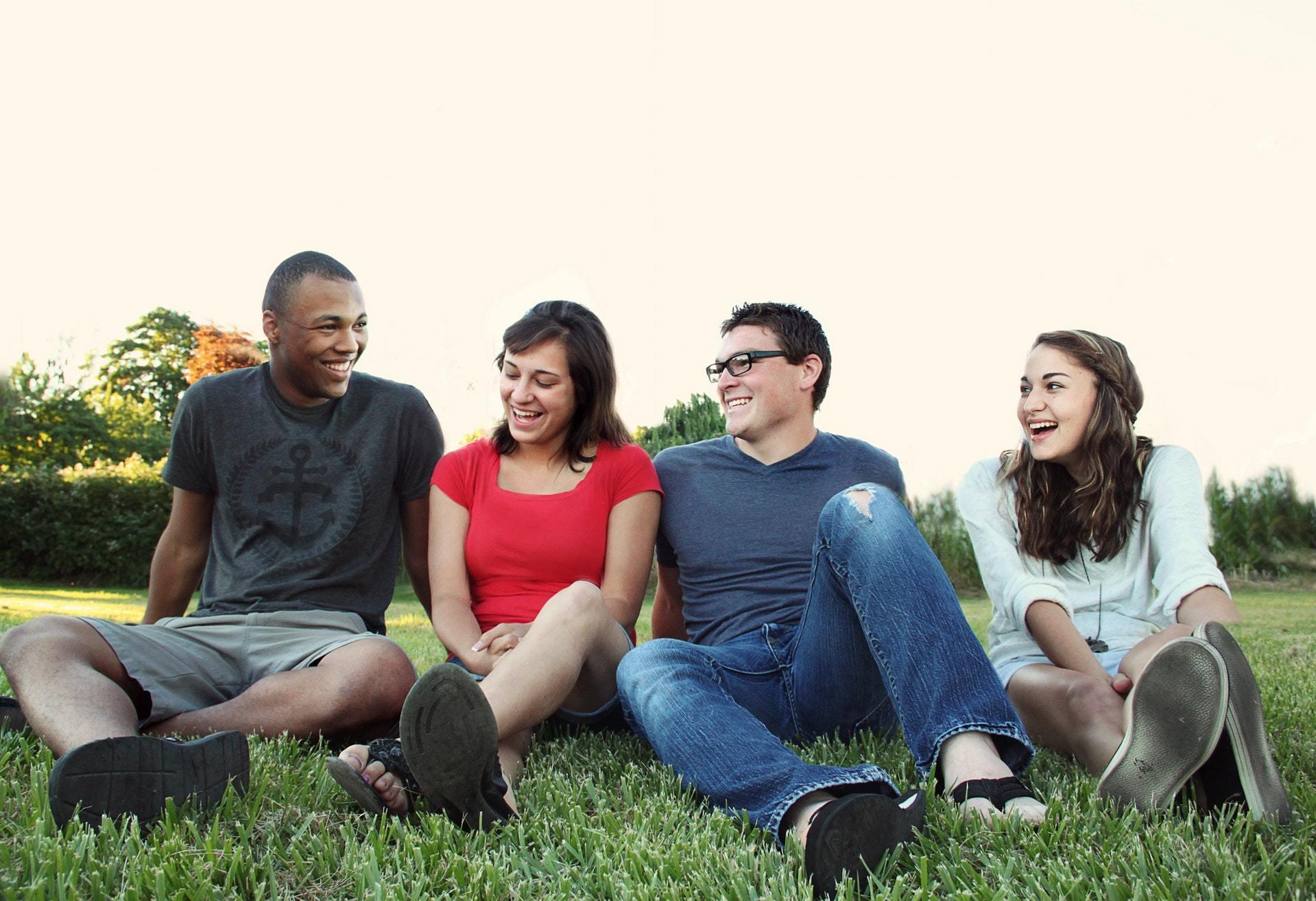 Jongeren daten succesvoller in dagelijks leven dan met datingapp