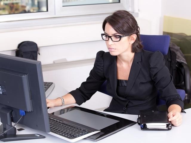 Vrouwen met deze 9 beroepen gaan het vaakst vreemd