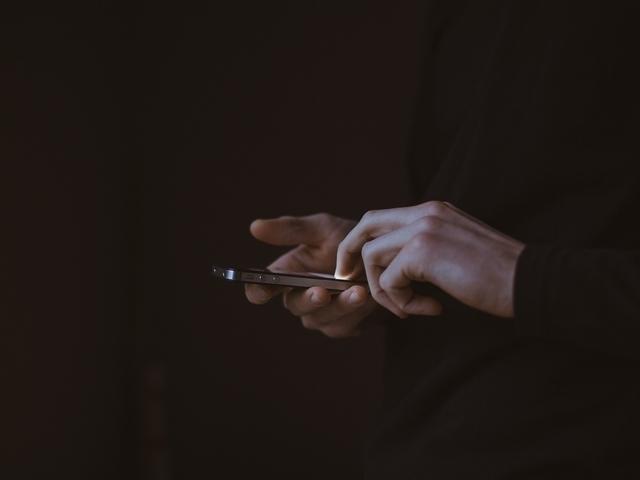 Mannen doen tijdens coronacrisis meer aan sexting dan vrouwen