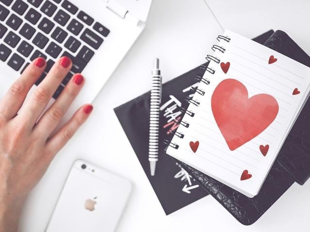 Online daten voor ouderen, waarom en hoe werkt dat?