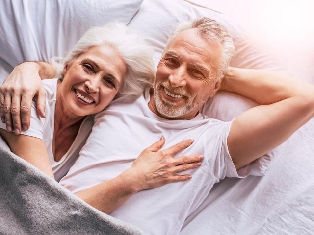 Wat zijn de beste datingsites voor 50 plus dating?