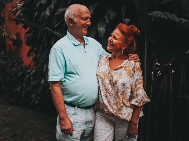 Datingsites 70 plus: welke opties heb je als oudere single?