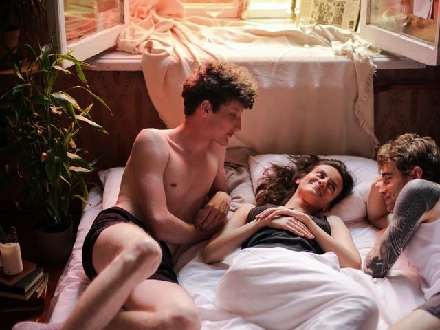 Waar kun je als man daten met een stel voor een trio?