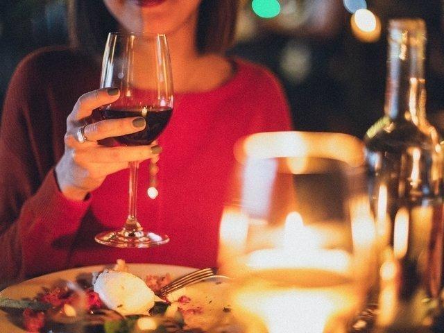 Sommige vrouwen daten alleen voor gratis eten